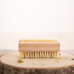 Cepillo dos caras limpia uñas mango de madera