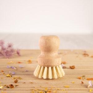 cepillo redondo para fregar conmango de madera