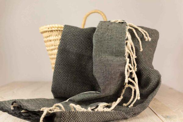 fouta toalla negra y gris en algodon